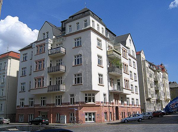 Objekt: Kantstr. 5, Leipzig – Baujahr Gebäude: 1900 – Saniert: 1995 – WEG – Verwaltung seit: 1997 – Wohneinheiten: 23 – Sondereigentumsverwaltung: 8 Wohneinheiten
